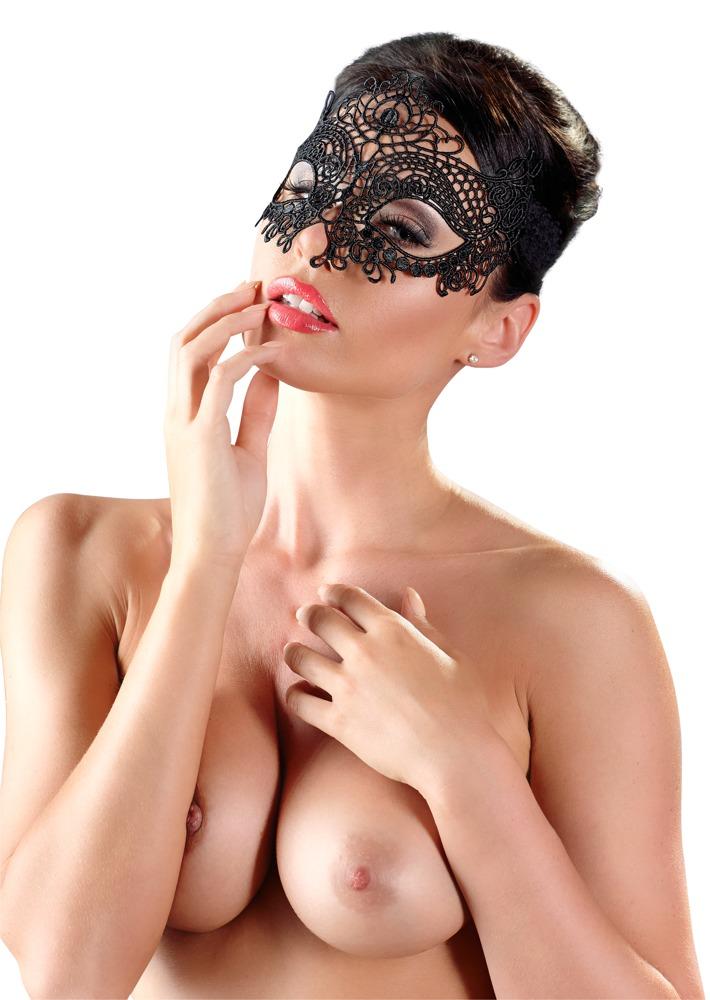 Vyšívaná maska